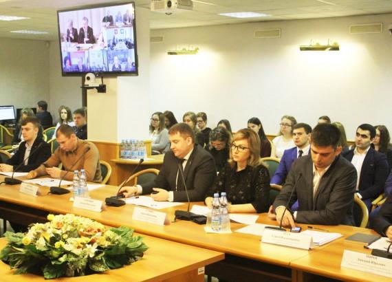 Заседание Молодёжного парламента при ГД