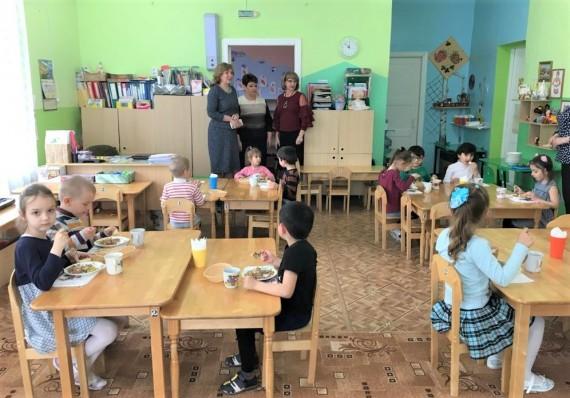 Мониторинг деятельности вузов, школ и детсадов