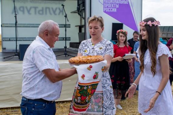 Уборка зерновых началась в южных районах области